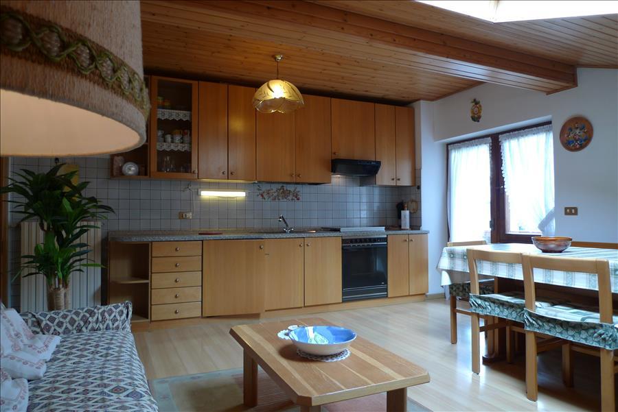Appartamento casa dona 39 p m per 6 persone for Piani casa 6 camere da letto